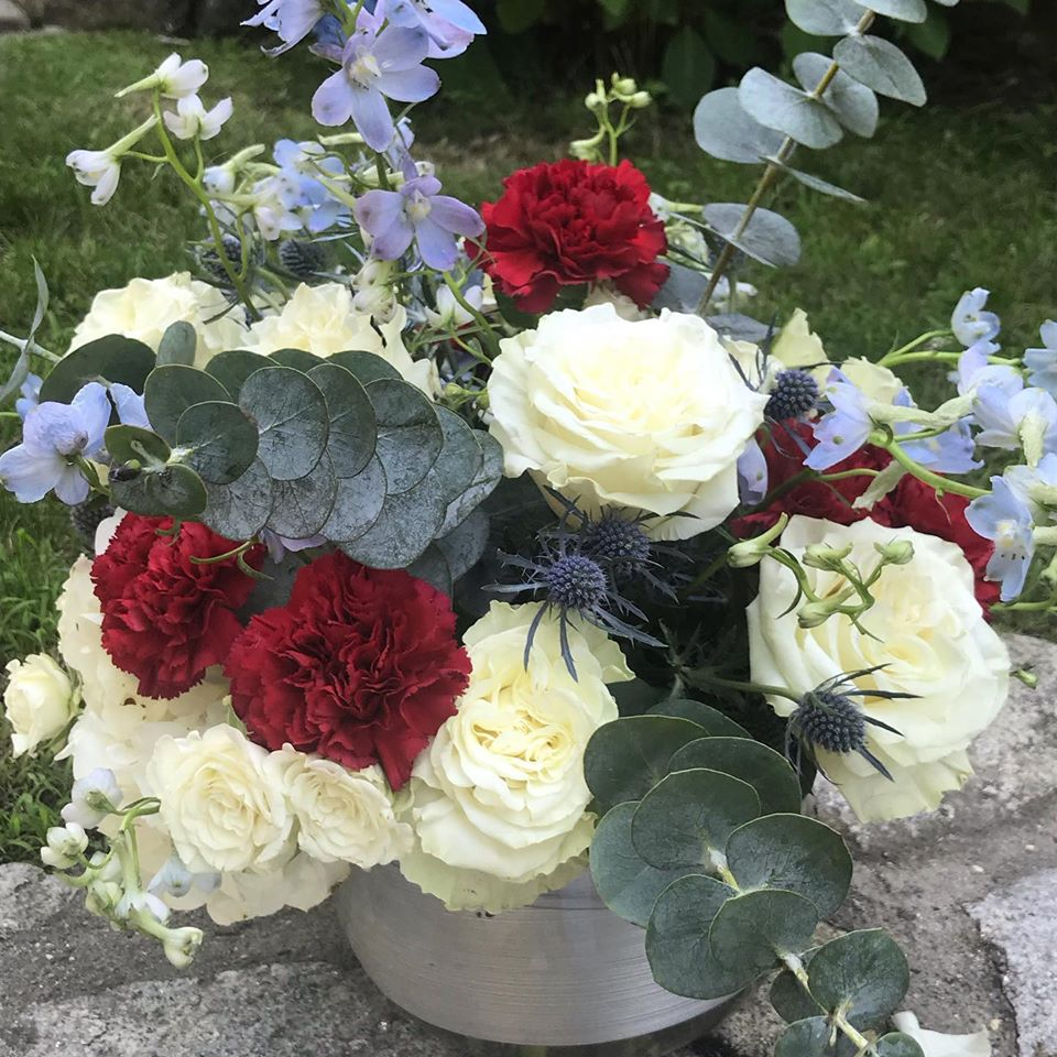 Photograph of Independence Day flower arrangement
